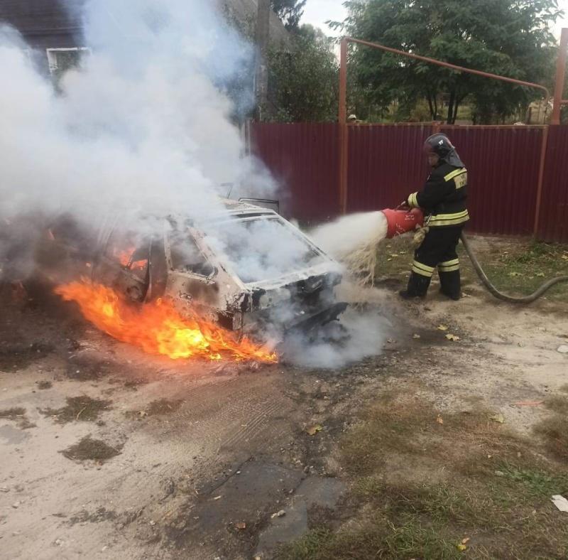 В деревне Липна Петушинского района вспыхнул автомобиль