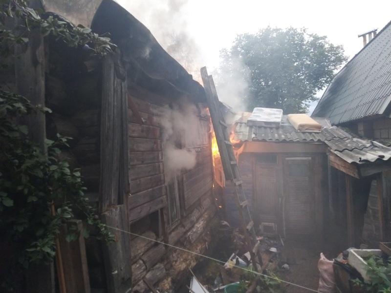 В Коврове ликвидировали пожар в жилом двухквартирном доме